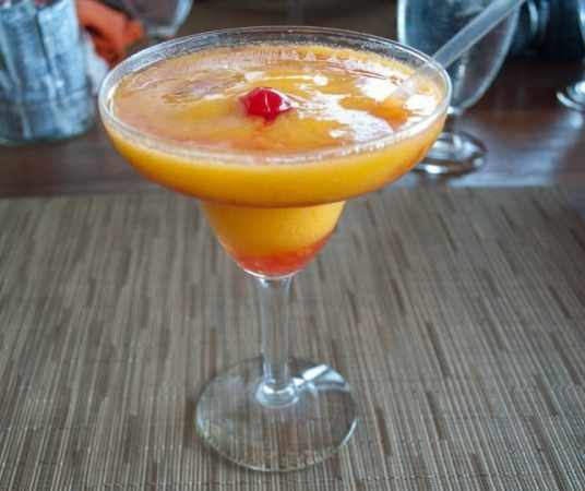 passionfruit-ballahhotini-cocktail