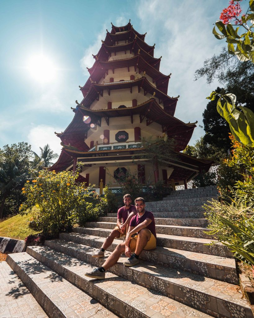 Famous-Indonesian-temples