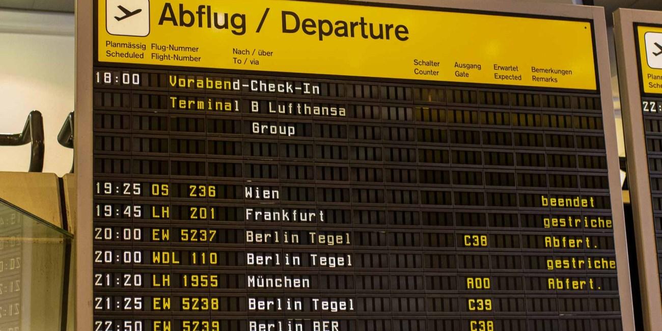 Letzter Lufthansa Lufthansa Flug Berlin Tegel nach München Anzeige Tafel TXL