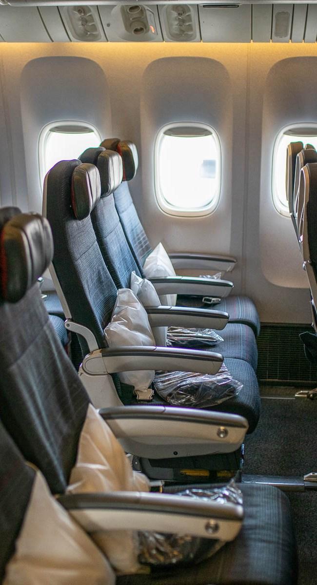 Air Canada Boeing 777 Economy Class-4