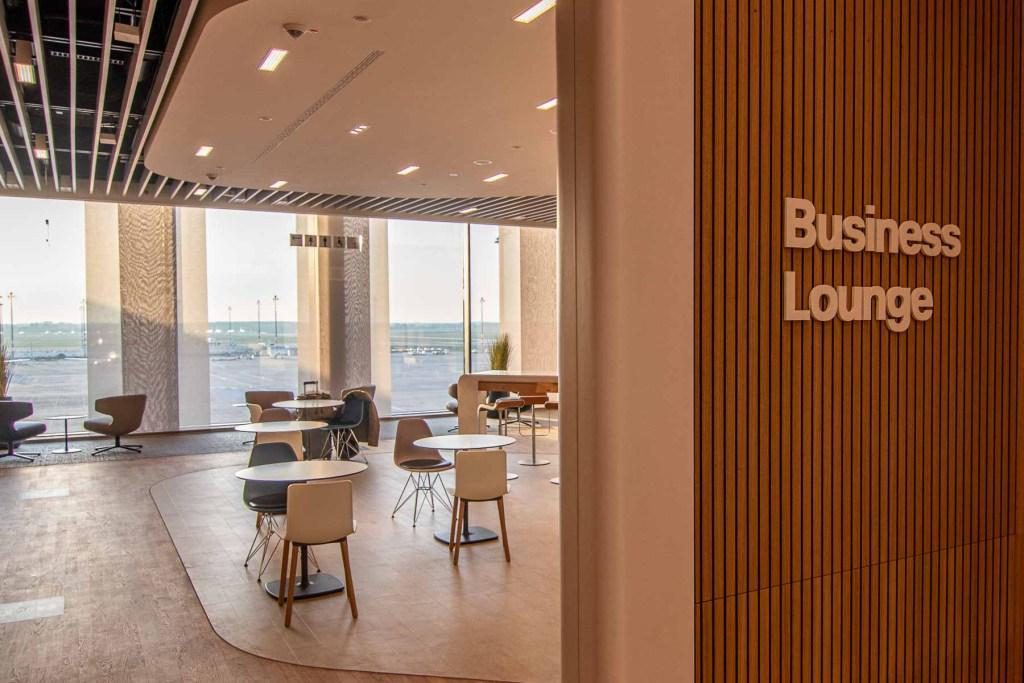 Lufthansa Lounge BER Business Senator Lounge Flughafen Berlin The Travel Happiness-5