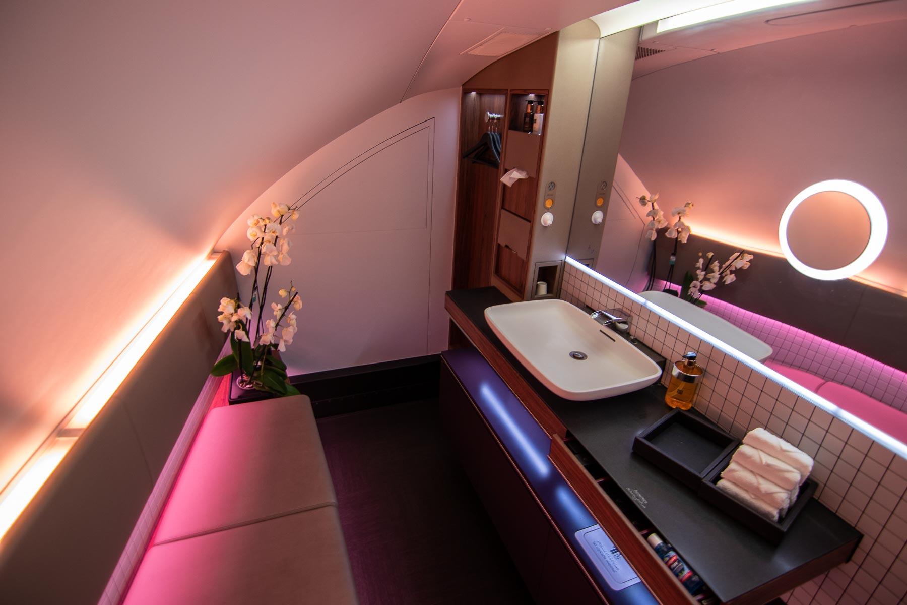 Qatar Airways A380 First Class Annehmlichkeiten-7