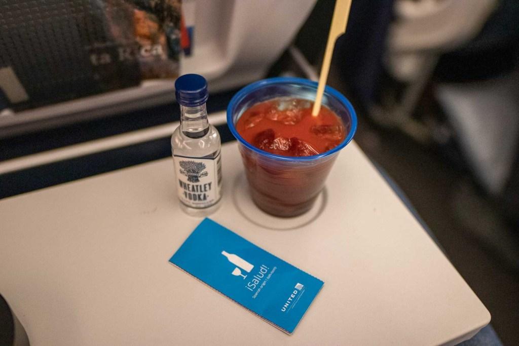 United Airlines Basic Economy Class Service und Mahlzeit-4