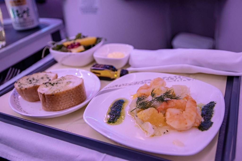 Air China Boeing 777 Business Class Essen und Trinken Service-9