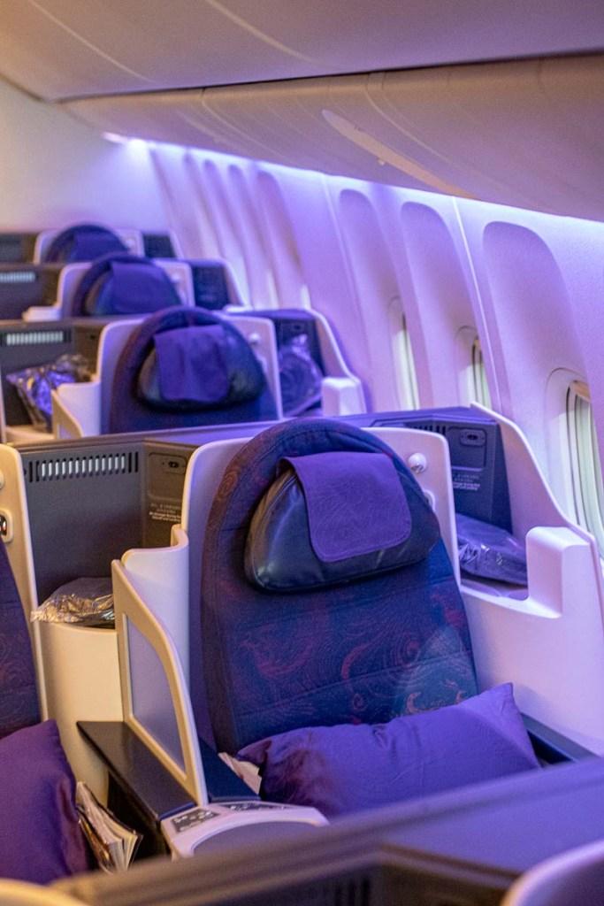 Air China Boeing 777 Business Class Kabine und Sitz-3