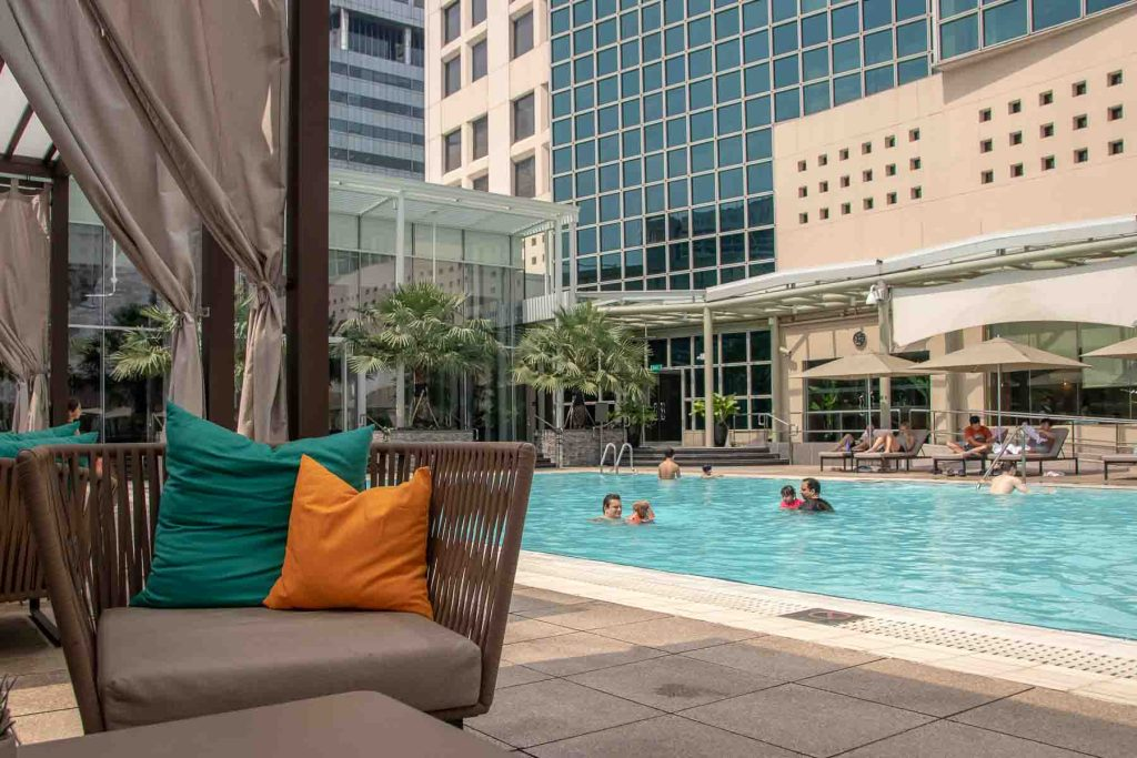 Conrad Singapur Pool