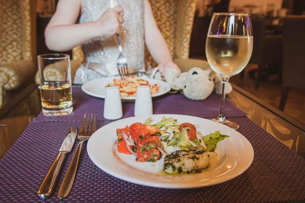 Hilton Moskau Leningradskaya Executive Lounge-3
