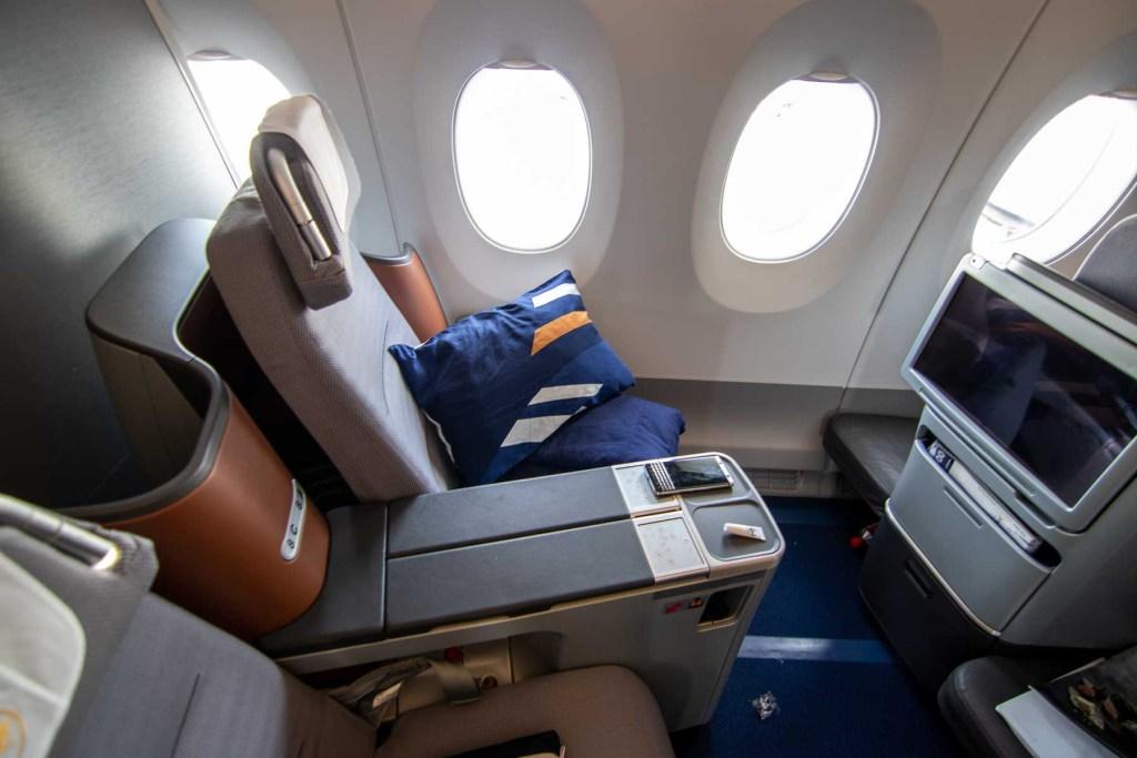 Lufthansa A350 Business Class Kabine und Sitz-2