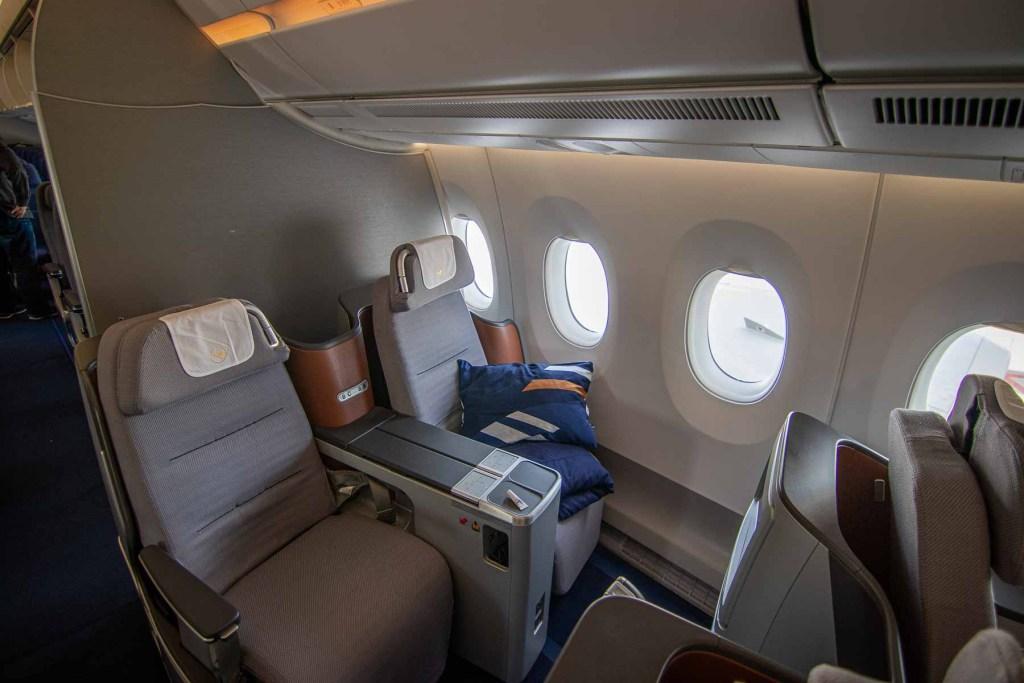 Lufthansa A350 Business Class Kabine und Sitz-3