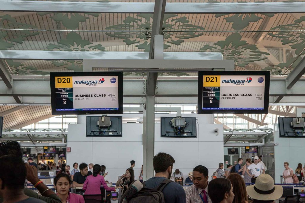 Malaysia Airlines Business Class Check-in Bali Denpasar