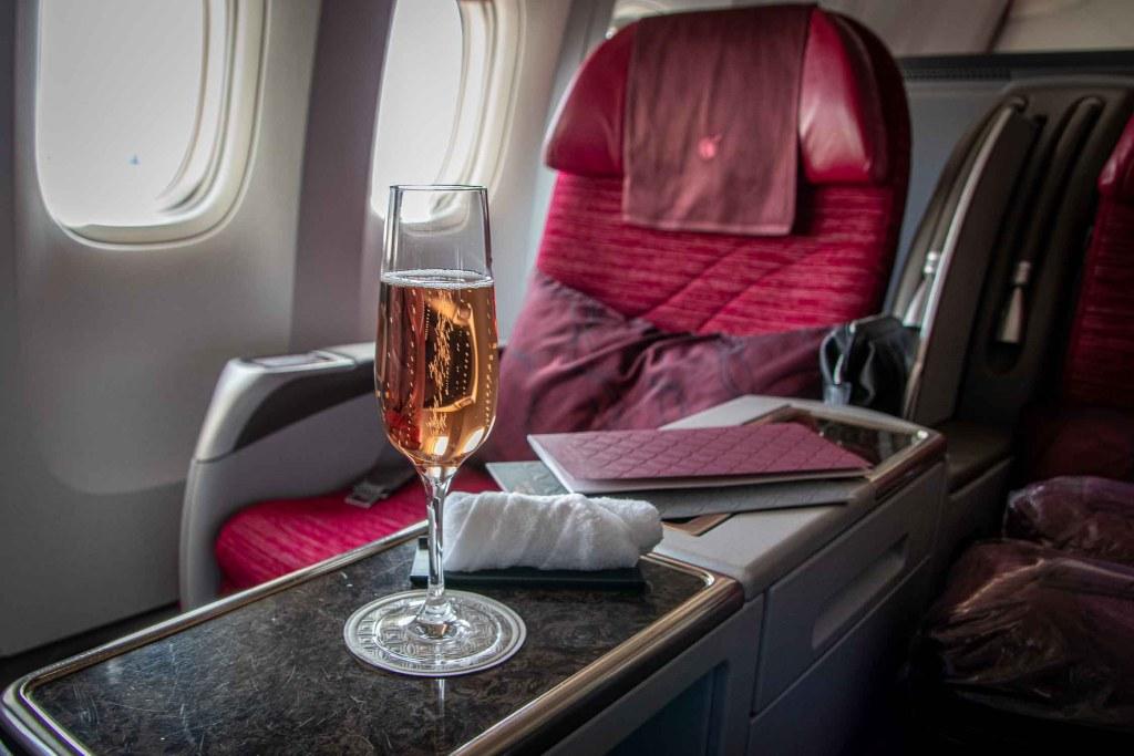 Qatar Airways Boeing 777-300 ER Business Class Sitz The Travel Happiness