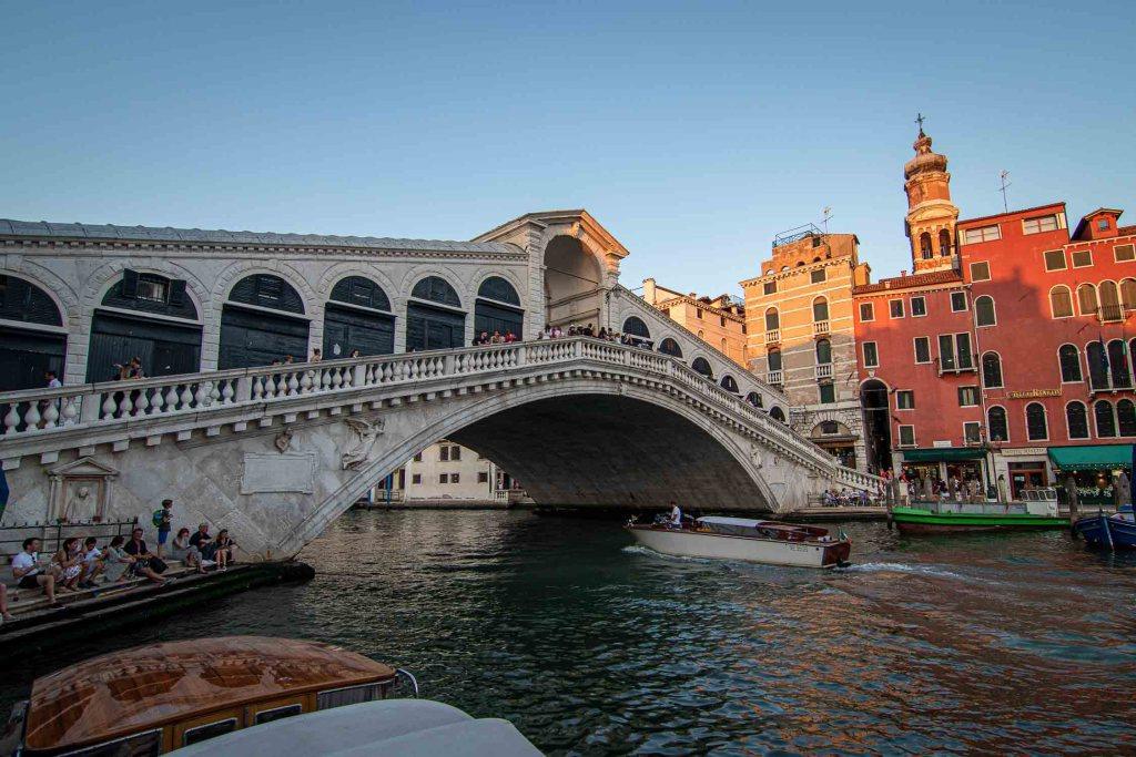 Venedig Sehenswürdigkeiten Rialto Brücke The Travel Happiness