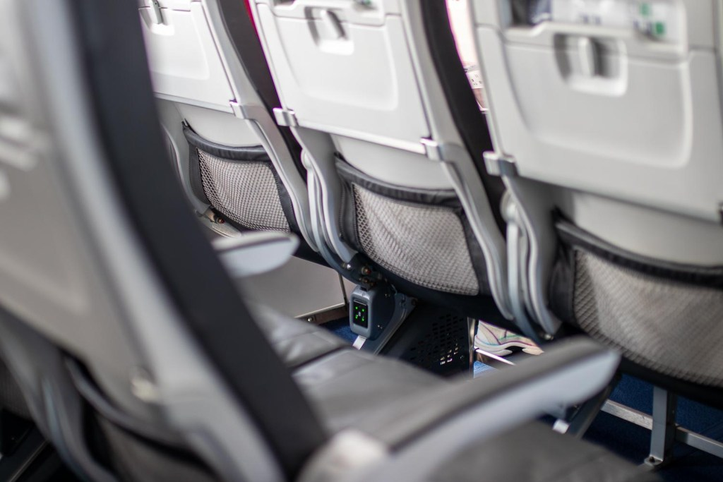 Lufthansa Business Class A320neo Teneriffa-3
