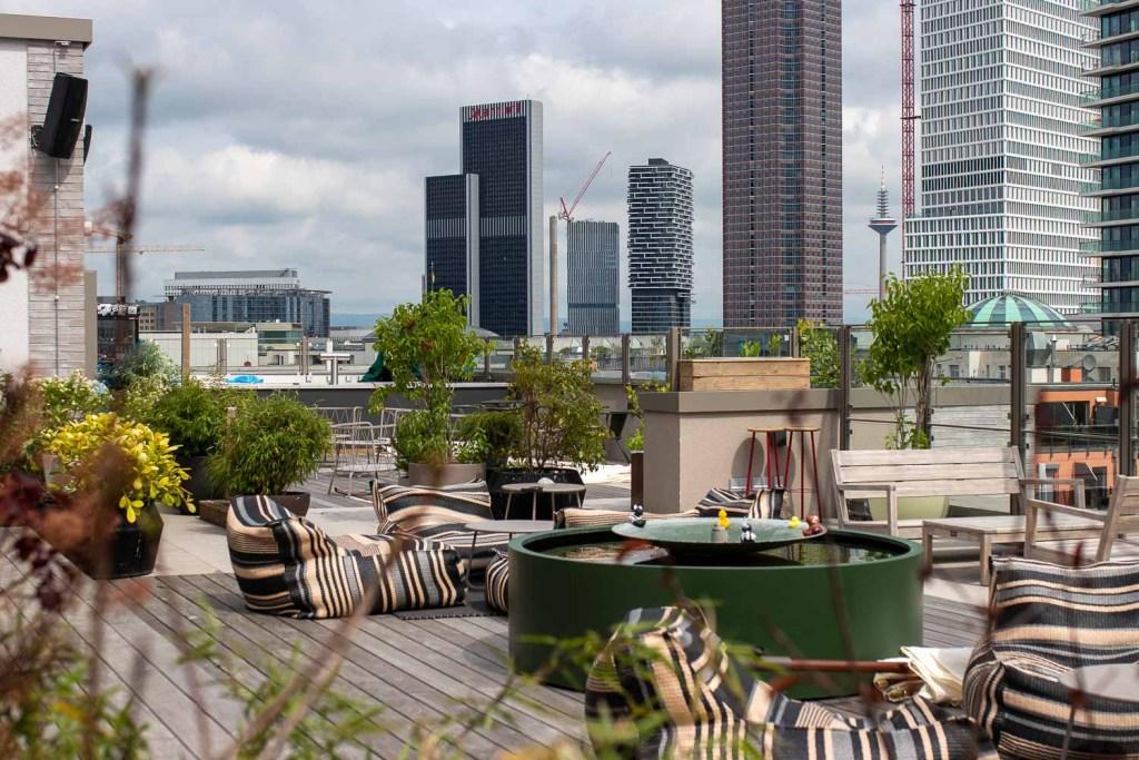 Gekko House Frankfurt Hotel Rooftop Bar-4