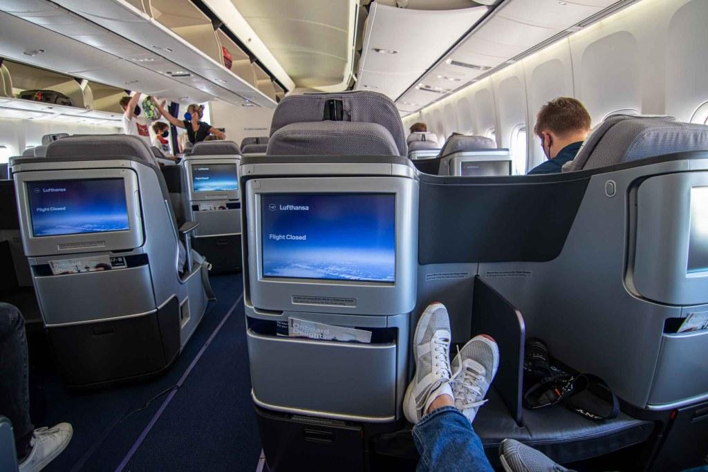 Lufthansa Boeing 747-8 Business Class Sitz 8H
