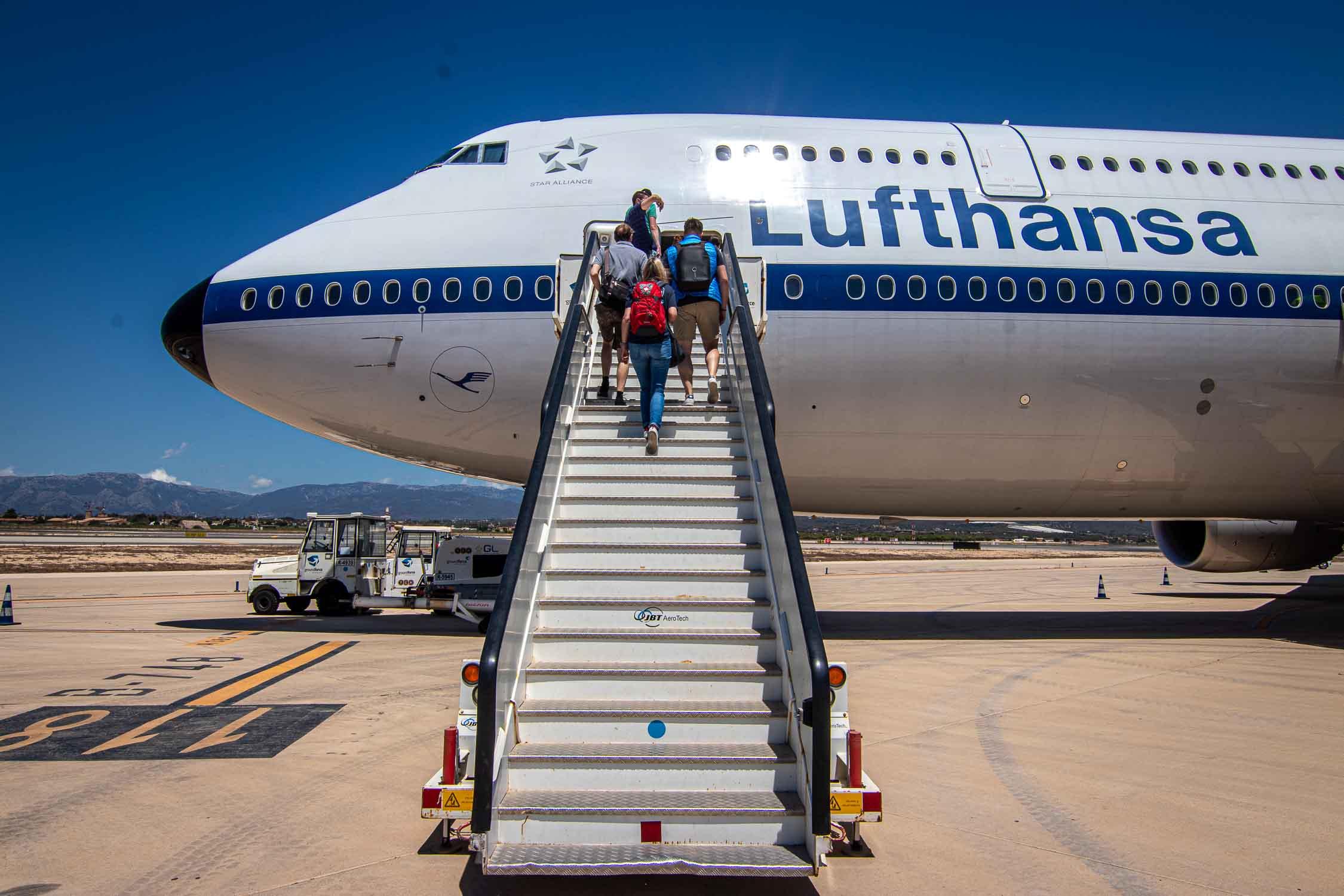 Lufthansa Boeing 747-8 Palma-3