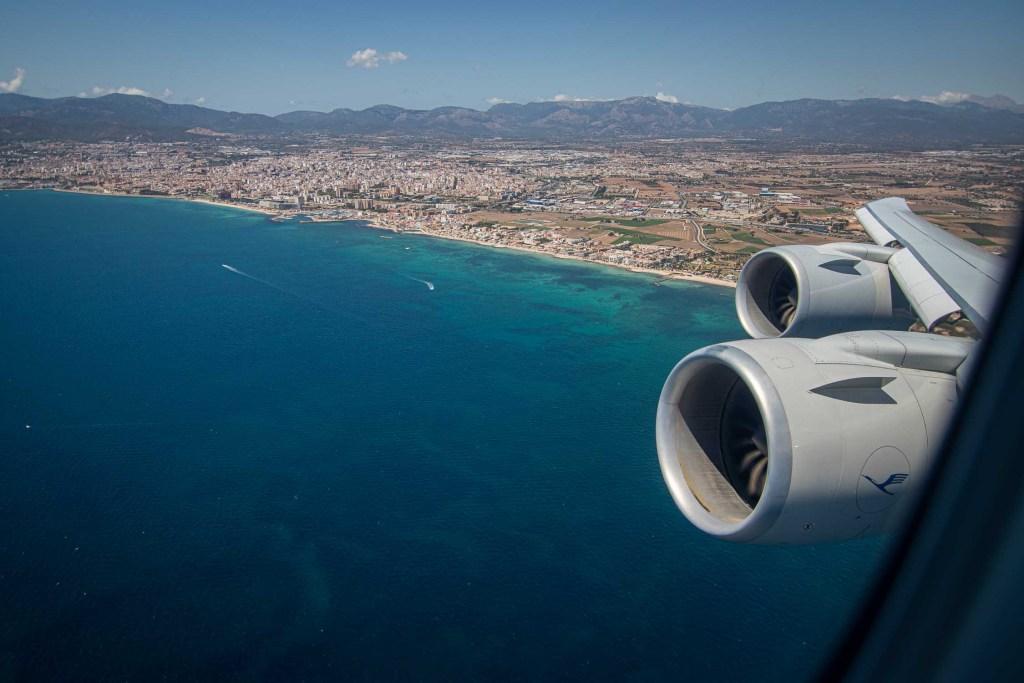 Lufthansa Boeing 747-8 Wing View