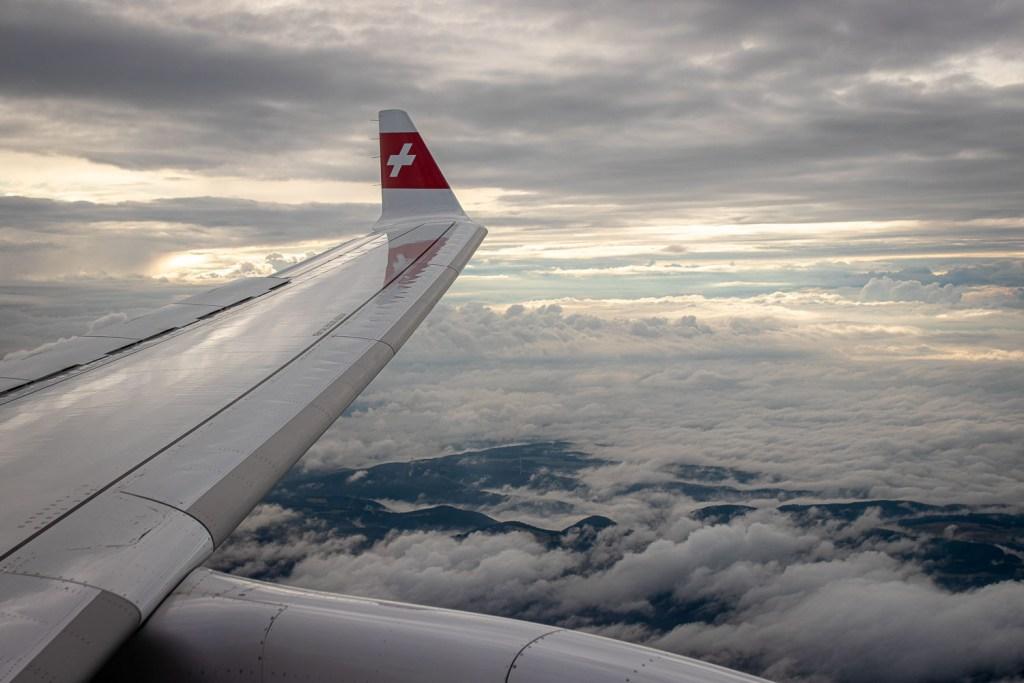 Swiss Airbus A220 Anflug Zürich