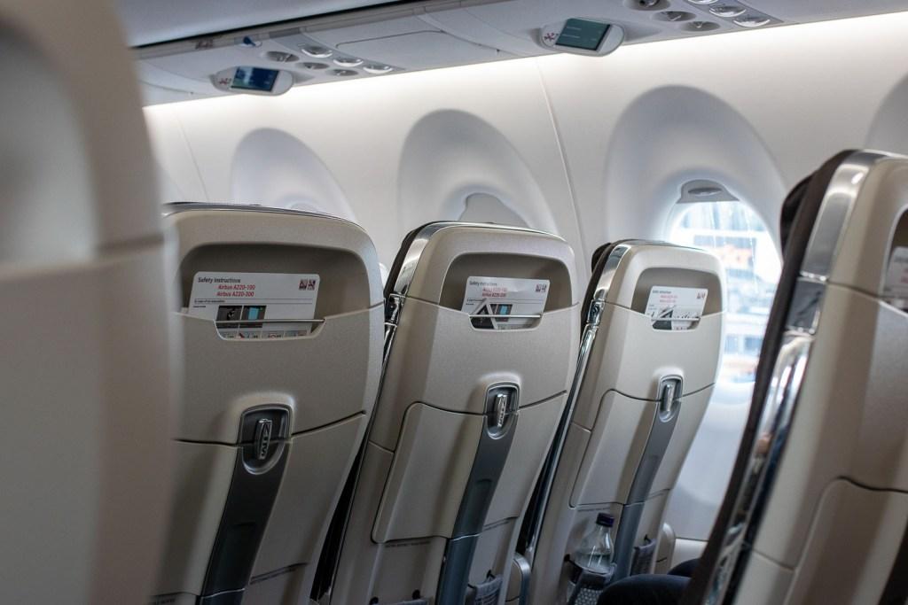 Swiss Airbus A220 Business Class Sitz_-2
