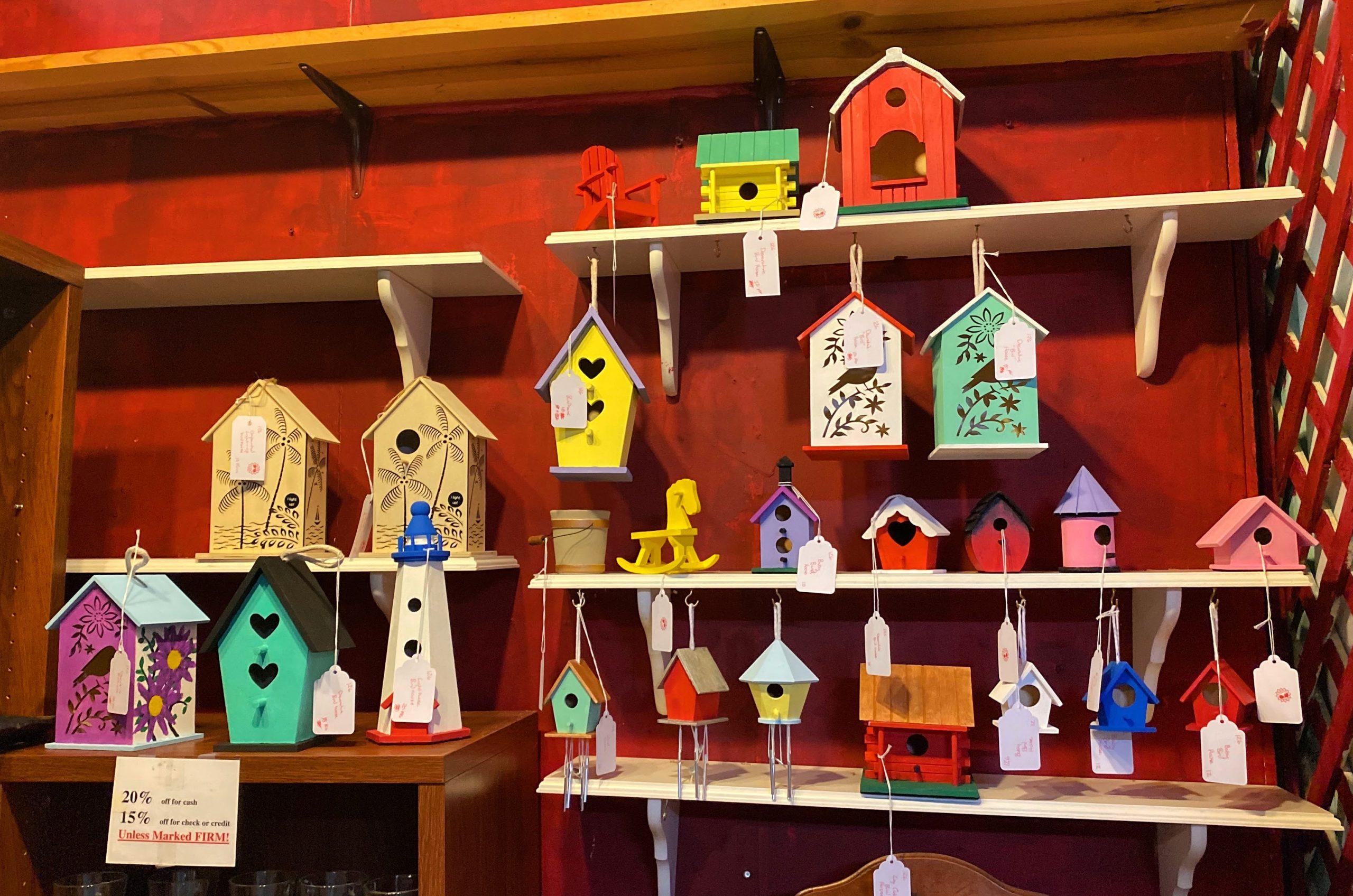 bird houses, antique shop, collectibles