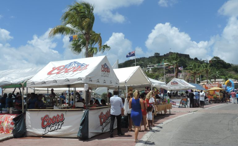 Pop Up Market in Marigot