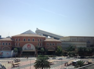 That crazy shaped building in the back of the mall is the ski run! - Dubai, UAE