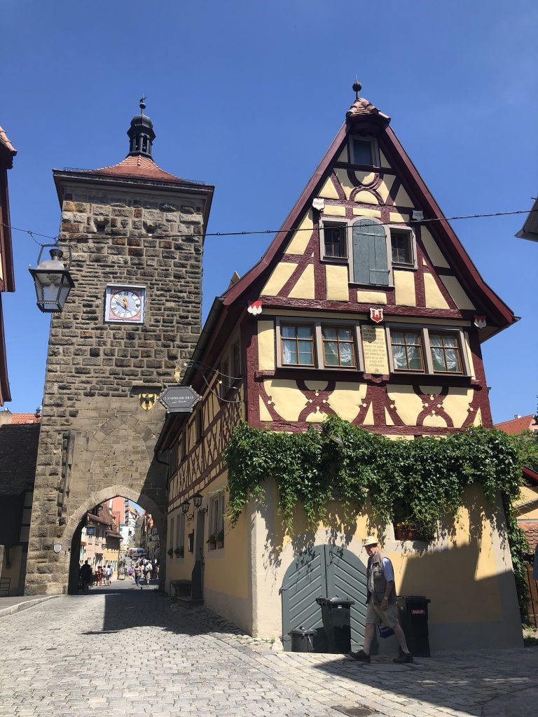 Rothenburg ob der Tauber - The Traveling Storygirl