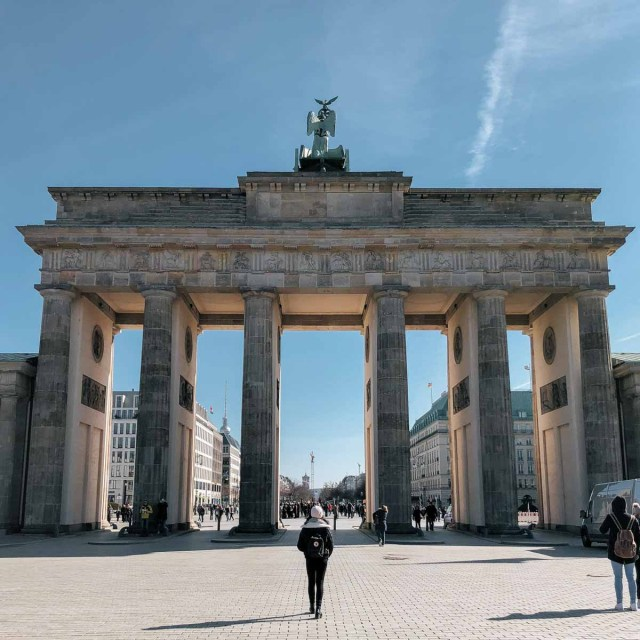 Brandenburg Gate Back 2 - Berlin IG Guide