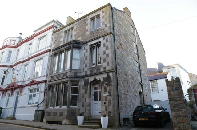 Totters Backpackers Hostel in Wales - Scotland Wales London Itinerary BritRail Pass