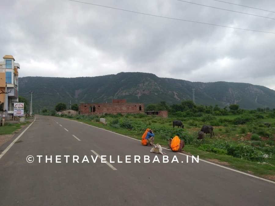 Road to the bhangarh the haunted fort in India
