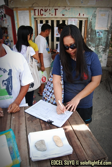 signing the boat manifesto