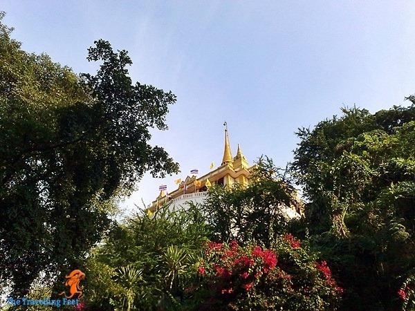 the hilltop where Wat Saket lies