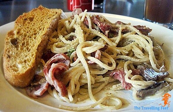 garlic cream and sausage pasta