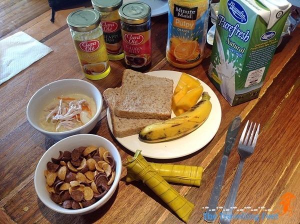 breakfast offerings z hostel