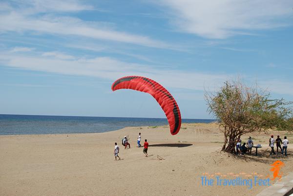 safe landing of paragliding at ilocos sur