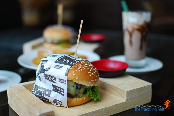 burger and mlikshake at hotel jen