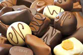 Belgium produces the most delicious and exquisite chocolate pralines in the world. Full stop. Our top five favorite sources for Belgium chocolate. (via thetravellingmom.ca)
