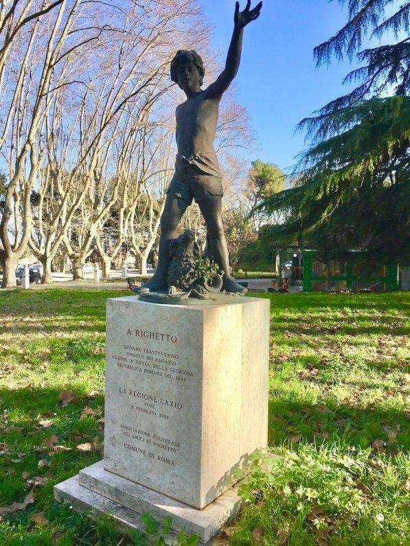 Statua di Righetto sul Gianicolo