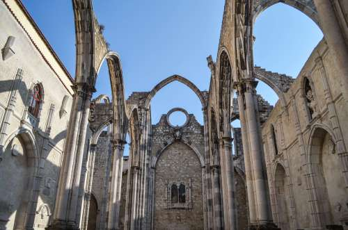 What to do - Carmo convent in Lisbon, Portugal
