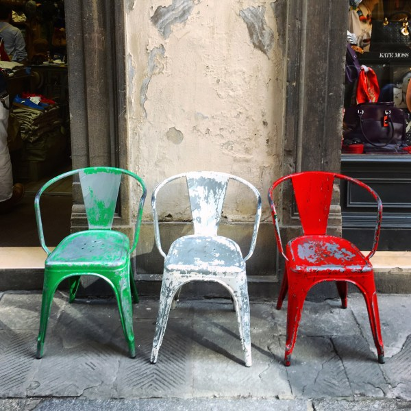 Italy flag chairs | Florence | The Travel Medley