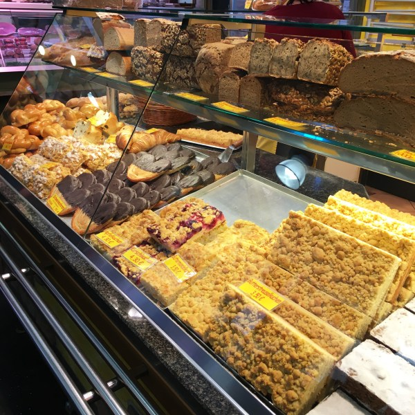 Bread and pastries in the Kleinmarkthalle | Frankfurt | The Travel Medley
