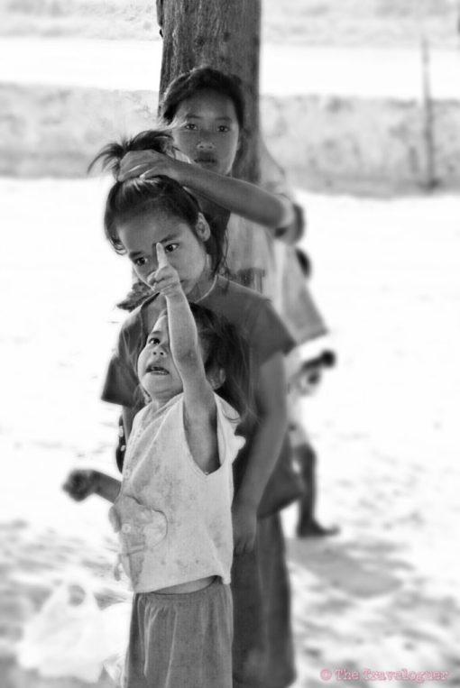 Three Girls, Laos