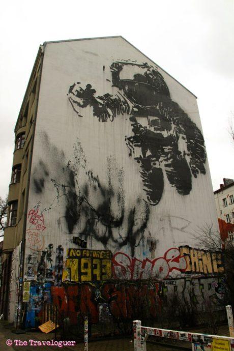 wpid-alternativeberlin-streetarttour-spaceman-thetraveloguer_wm.jpg