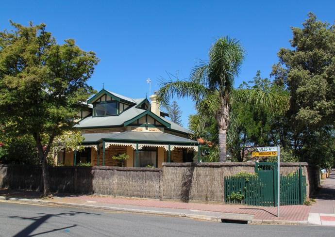 Glenelg South Houses - Glenelg Adelaide's Beach Town