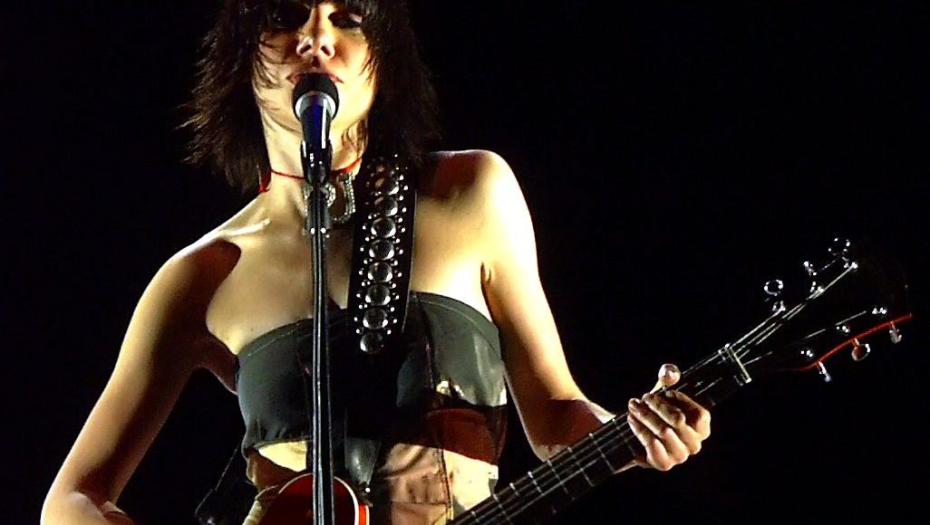 """""""File:PJ Harvey.jpg"""" by Dave Mitchell (Plastic Jesus) is licensed under CC BY-SA 2.0"""