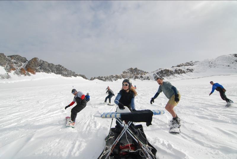 Extreme Ironing, Extreme Snowboarding