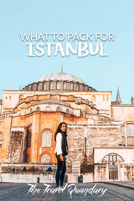 Jasmine of The Travel Quandary stands in front of the Aya Sofia in Istanbul, Turkey