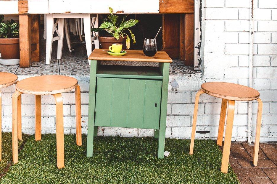 Quirky outdoor furniture at U&I Espresso, Coffee Guide Brisbane Northside