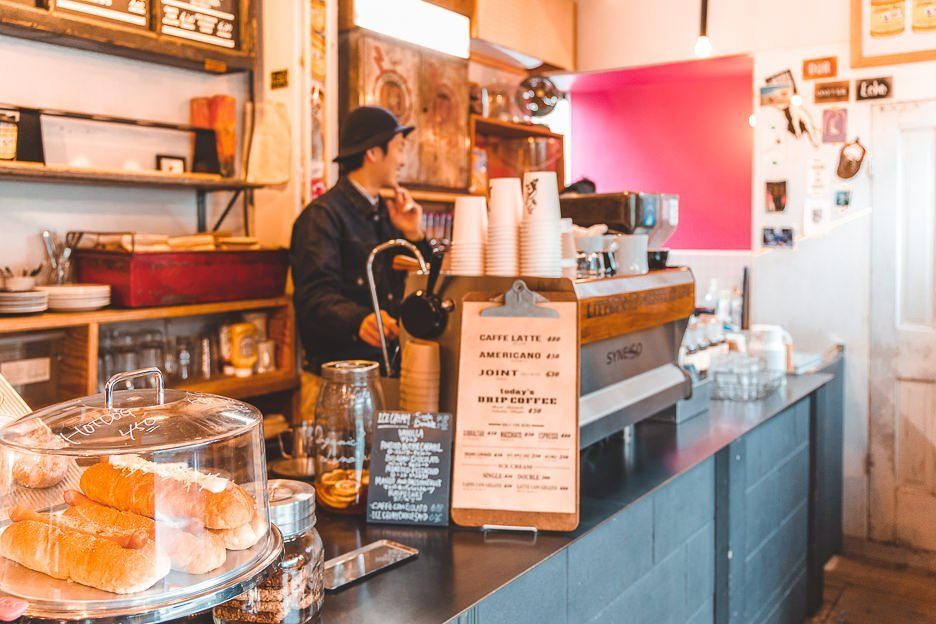 Barista at work at Little Nap Coffee Stand | Best specialty coffee in Tokyo