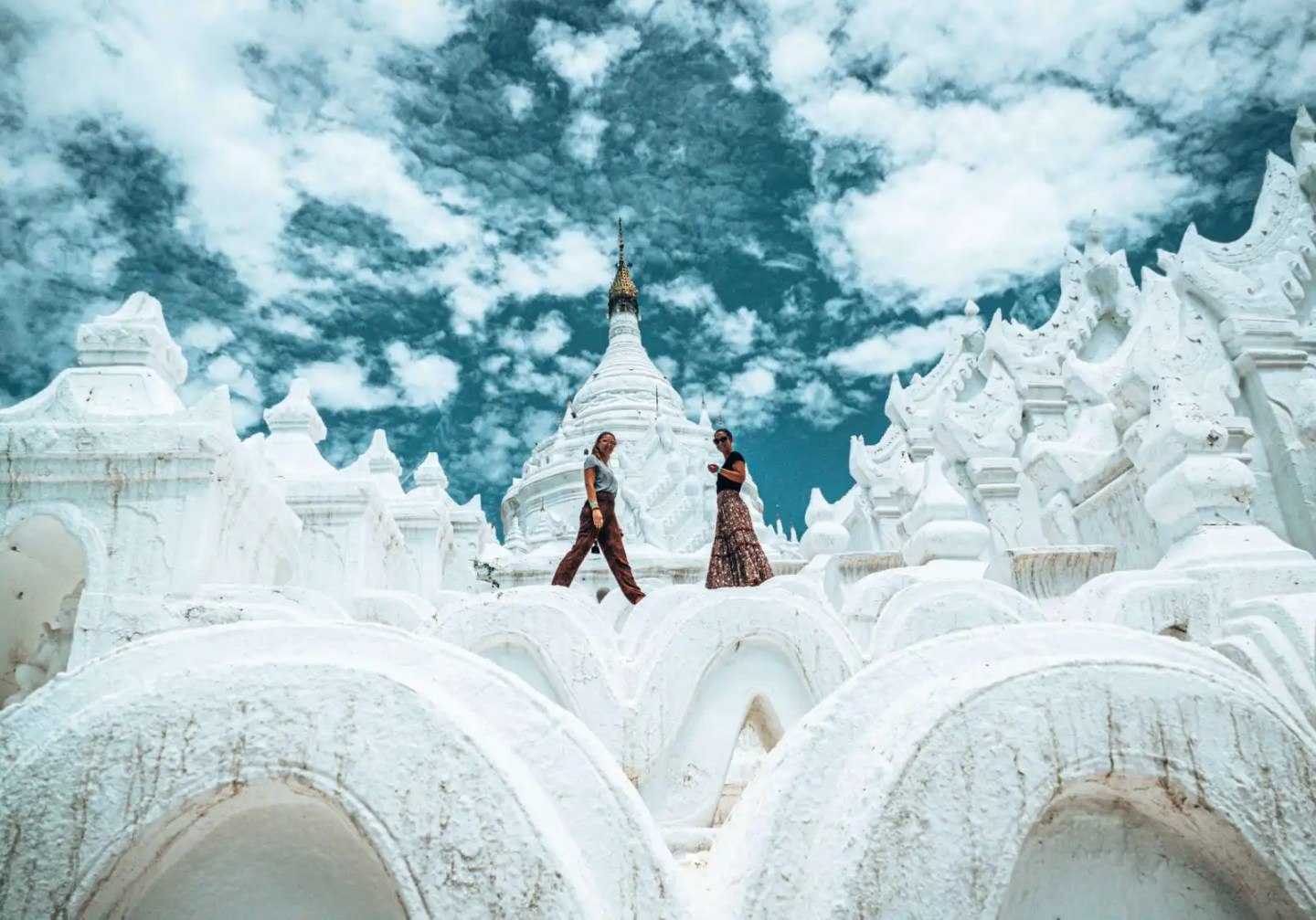 Picture of the white pagoda in Mingun, Mandalay